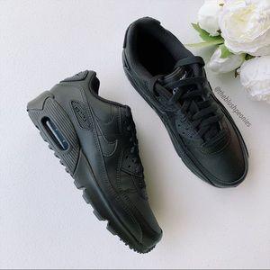 Nike Air Max 90 Triple black Leather NWT